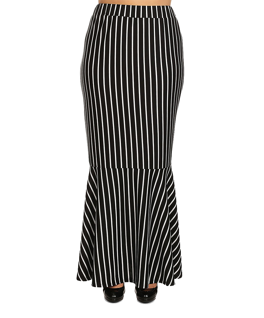 7a7c256e9eae Black And White Striped Maxi Skirt Outfit
