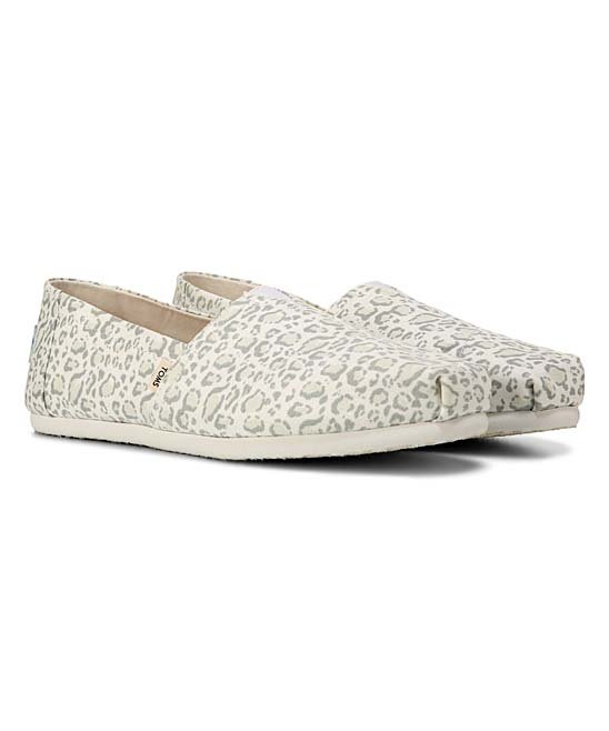 TOMS: Kids to Adults! Up to 55% off at Zulily!