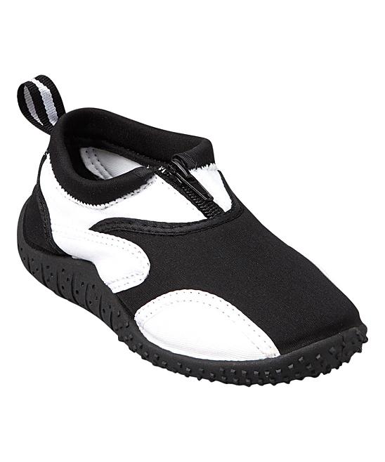 Rockin Footwear  Water shoes BLACK/WHITE - Black & White Aqua Fire Water Shoe - Kids