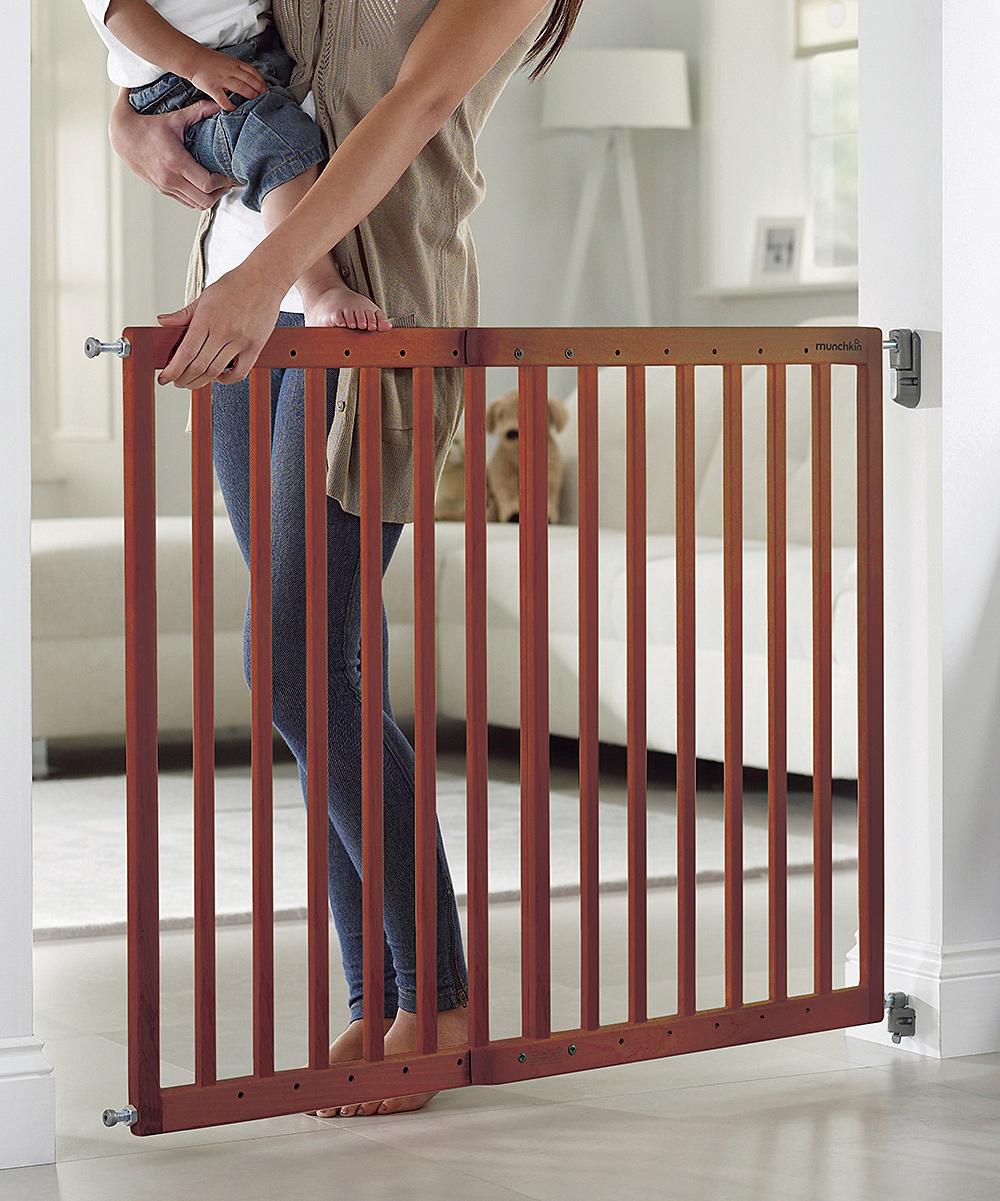 Munchkin Wood Extending Safety Gate