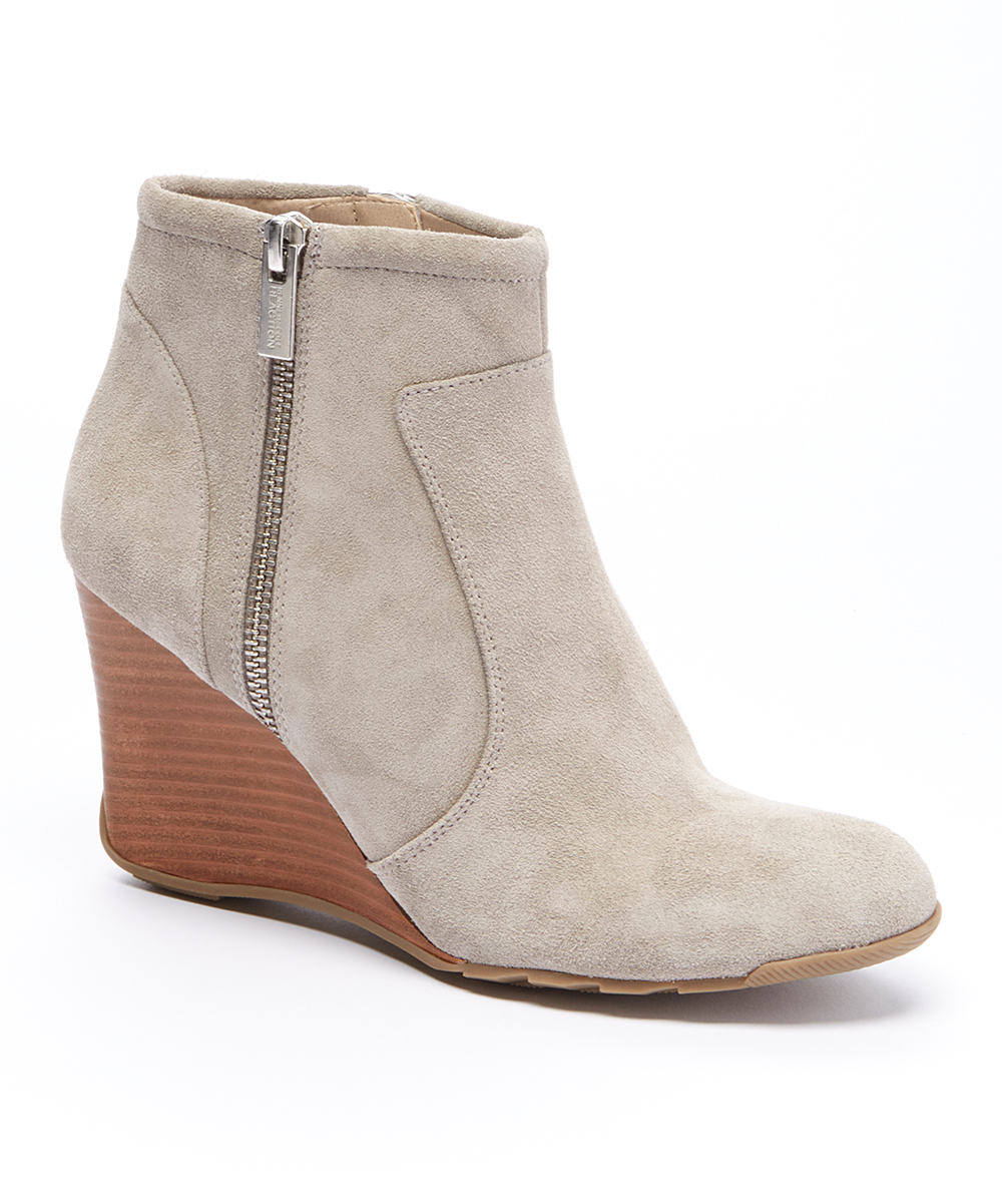 Kenneth Cole Reaction Putty Tell Lilly Pad Suede Bootie