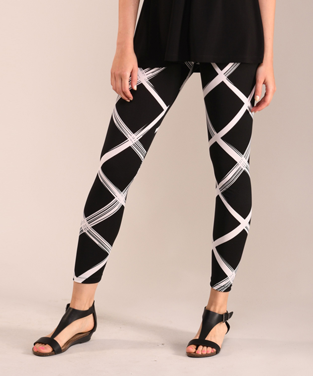 052c25c7fd2b7 Lbisse Black & White Geometric Leggings - Women & Plus | Zulily