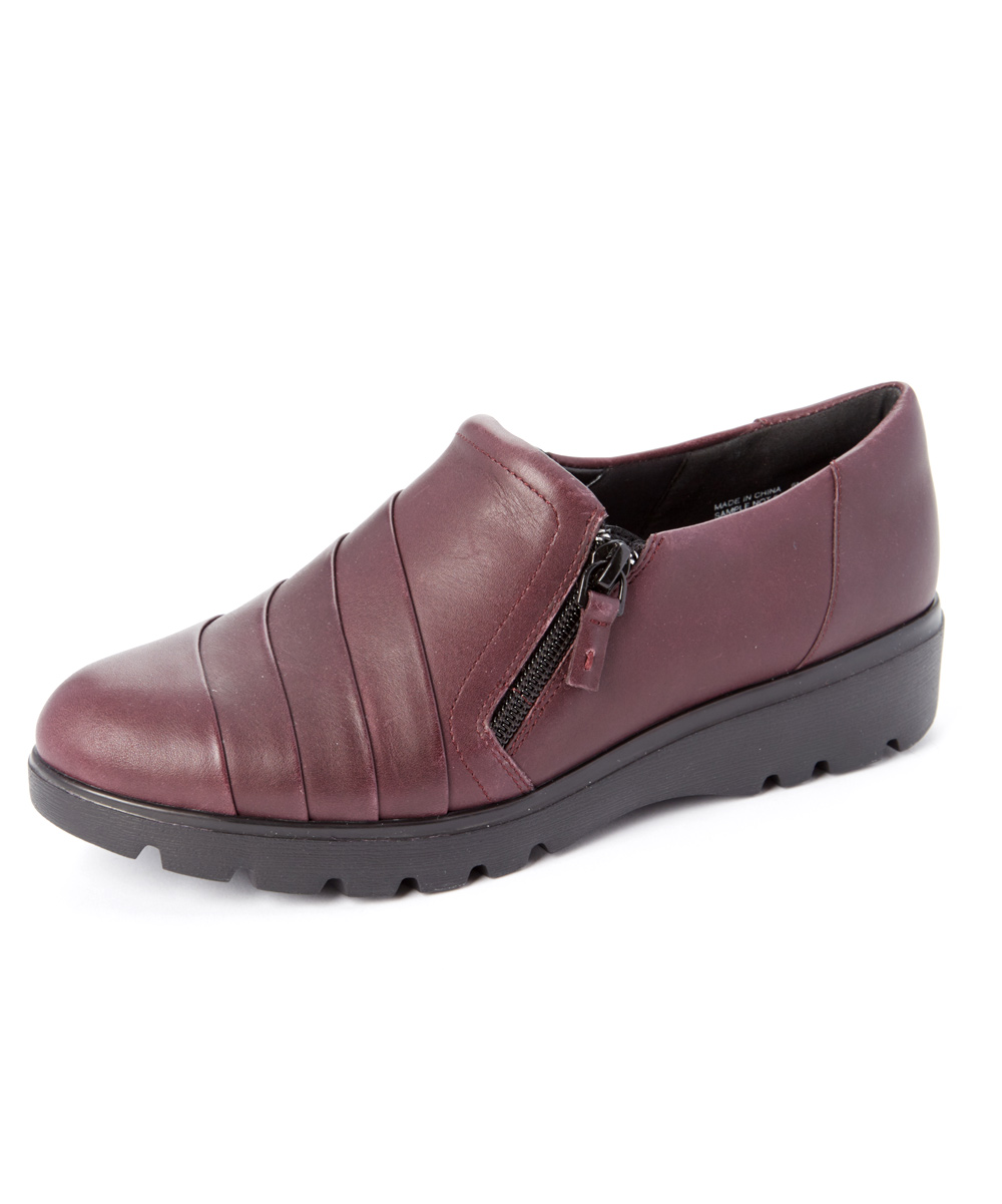 92919a4ebbdc0 Easy Spirit Wine Oakhill Leather Loafer