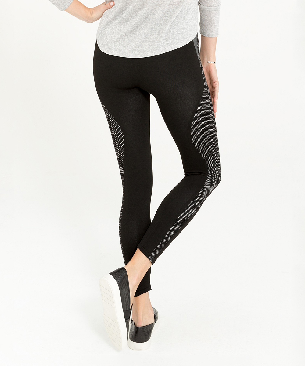 67fcdc6426d102 BLACK 10 Athletic Seamless Crop Leggings - Athletic Black - Alternate Image  3
