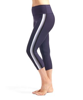 065513804c887 VOGO | Plum Capri Leggings - Women