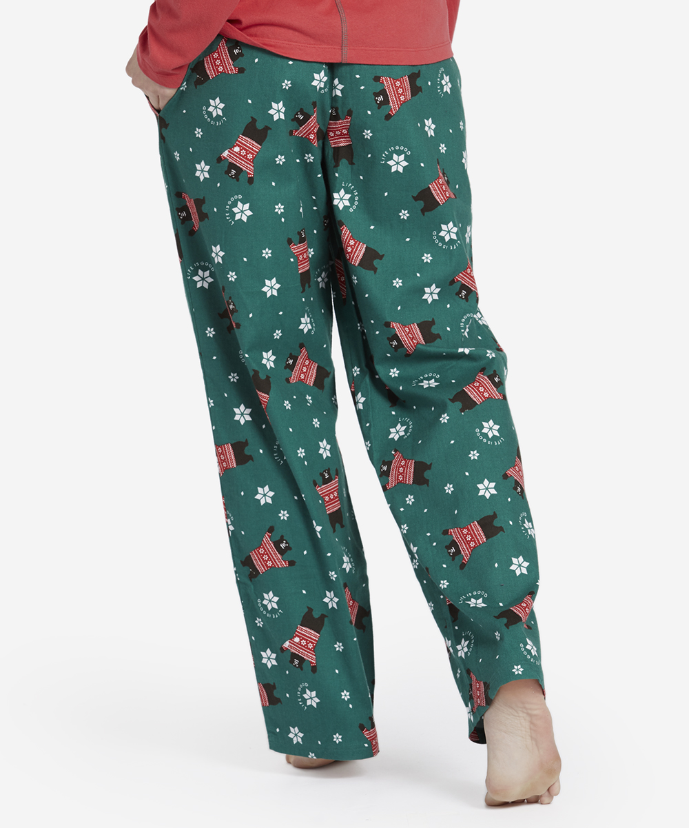 love this product Forest Green Sleepy Bear Toss Classic Pajama Pants - Women