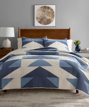 Blue & White Arrow Cotton Quilt