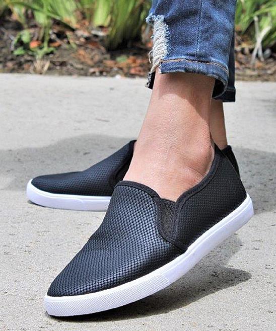 Mata Shoes Women's Sneakers black/white - Black & White Slip-On Sneaker - Women