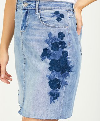 e7c94bc034 Suzanne Betro Weekend Light Wash Distressed Front-Slit Pencil Skirt ...