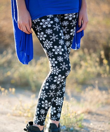 b847944fcf1af Sawyer Cove by White Plum Black & White Falling Snowflake Leggings ...