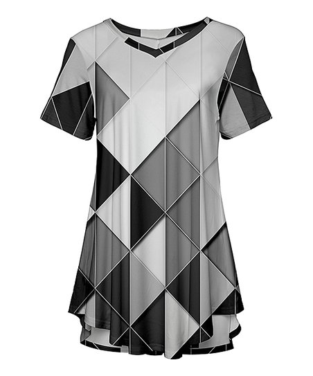 44107316cd3 love this product Black & White Short-Sleeve Curved Hem Tunic - Plus