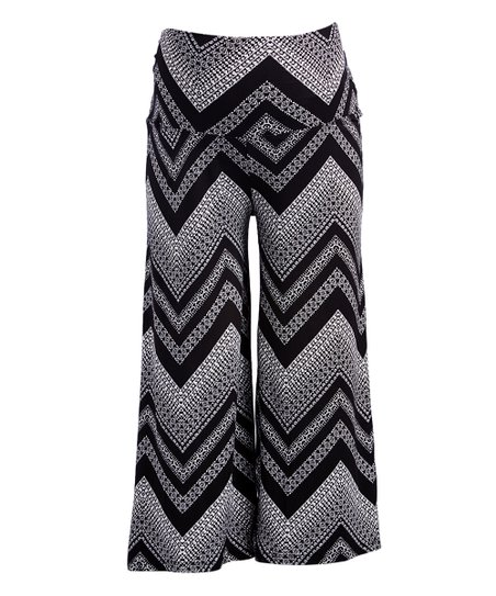 d6b9f66ca17d6 Mom   Co Black   White Chevron Fold-Over Maternity Gaucho Pants